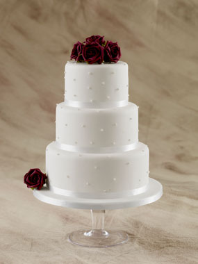 pearls and swirls wedding cake